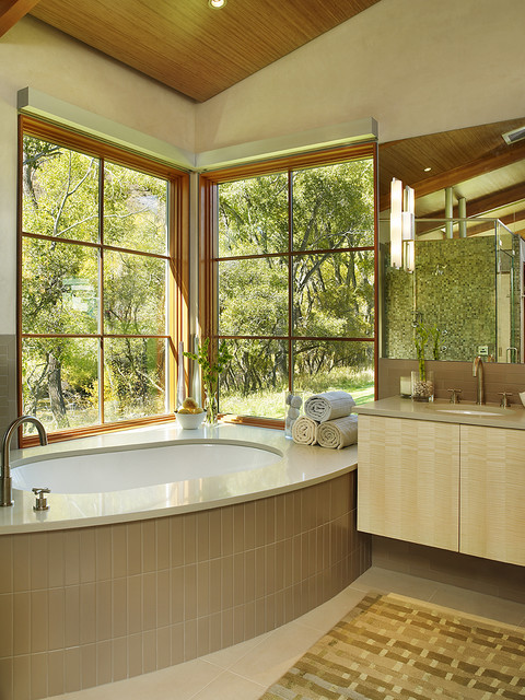 Getty Master Bathroom contemporary-bathroom