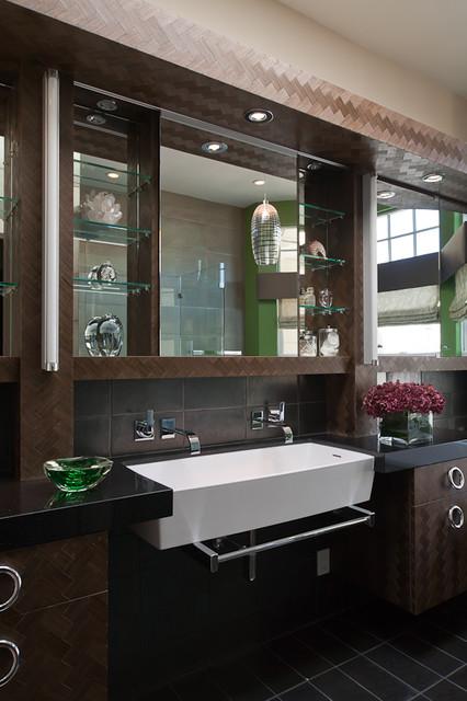 Gioi Tran bathroom