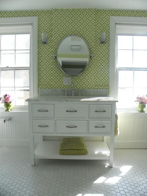 Superieur Girlu0027s Bathroom, Vintage Style Traditional Bathroom