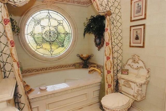 Girl's Bedroom Suite traditional-bathroom