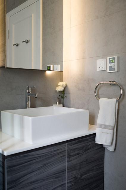 GISELLE modern-bathroom