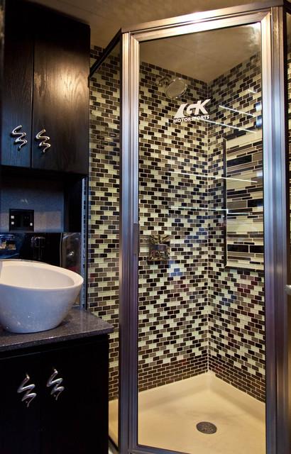 GK Motorsports contemporary-bathroom
