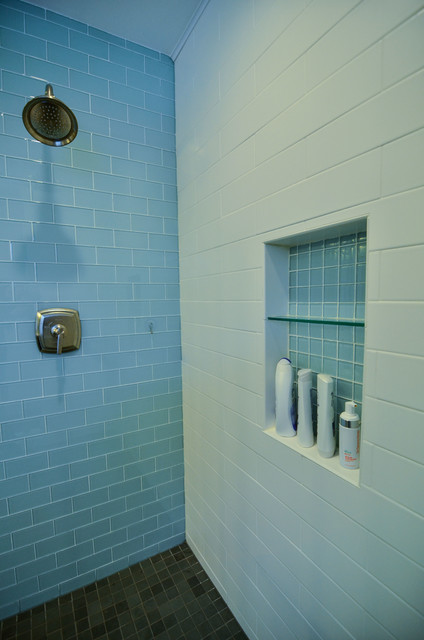 Glass And Matte White Subway Tile Modern Bathroom