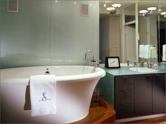 Glass and Mirror modern-bathroom