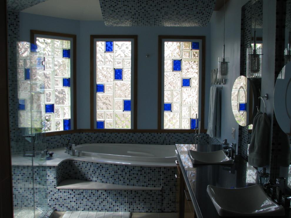 Bathroom - modern bathroom idea in New Orleans