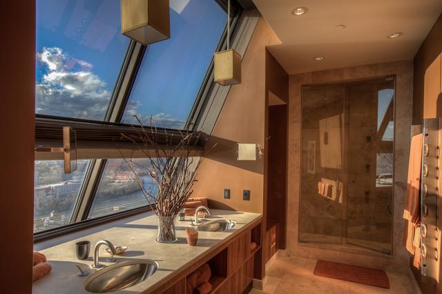 Glass penthouse aparment moderno stanza da bagno - Stanze da bagno moderne ...