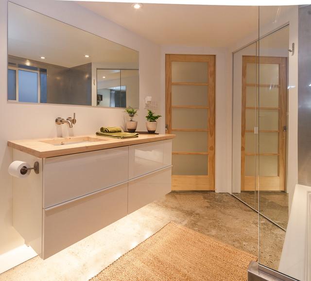 Glenmore Legal Basement Suite contemporary-bathroom