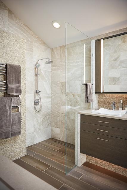 Glenn Home bathroom