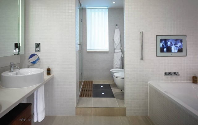 Luxury The Bathroom  We Stayed No 23 Gloucester Place, 1st Floor, The Walls Were Quite Thin And The Ceiling Was Also Quite Thin Not Sure What The Person Above Us Was Doing But It Genuinely Sounded Like They Were Moving Their Furniture