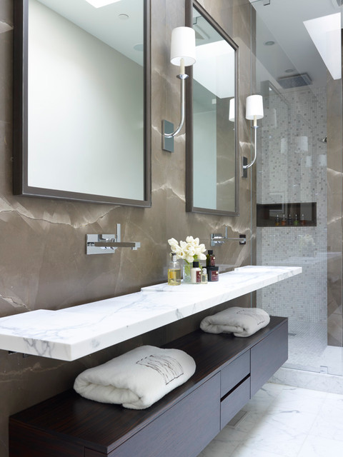 Gold Coast Rowhome contemporary bathroom
