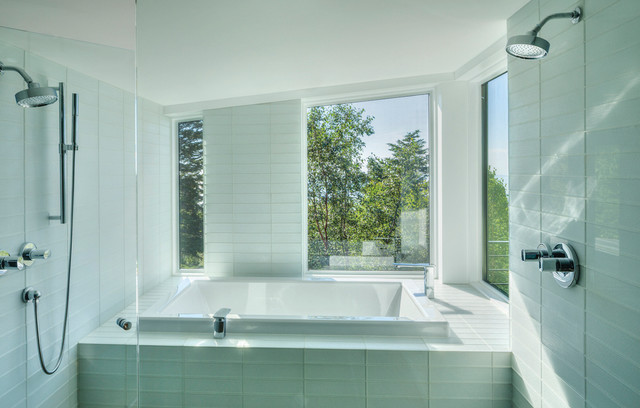 GOLDEN VIEW RESIDENCE contemporary-bathroom