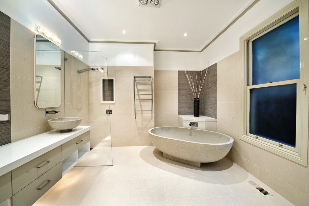 Inspiration for a modern bathroom remodel in Melbourne with a vessel sink