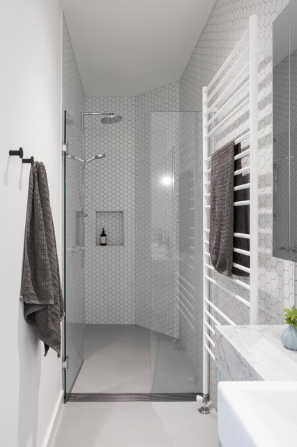 ... Park House - Contemporary - Bathroom - Melbourne - by Poly Studio