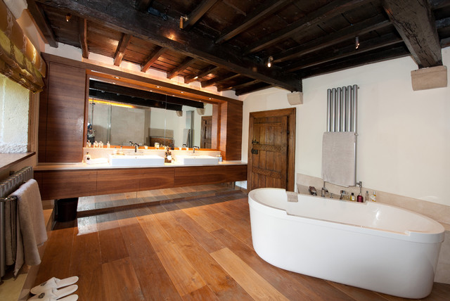 Grade 1 Listed Home North Yorkshire transitional-bathroom