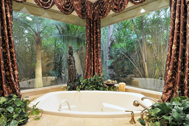Grand Bathrooms bathroom