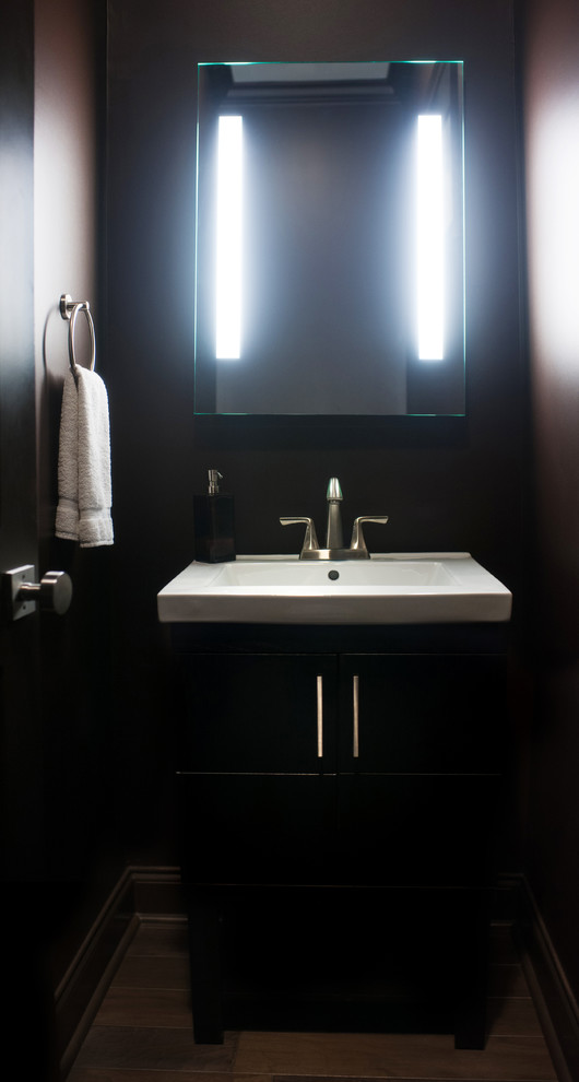 Example of a trendy bathroom design in New Orleans