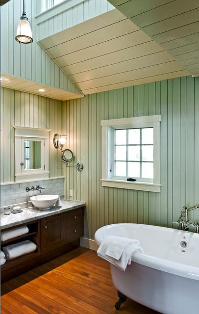 Grandview beach-style-bathroom