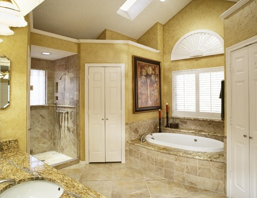 Can i get a larger picture of a tiled tub surround 6x6 for 6x6 room design