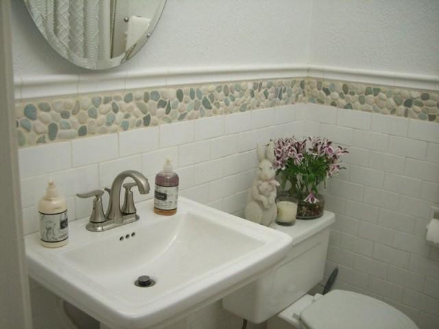 Bon Green And White Mix Pebble TileModern Bathroom, Hawaii