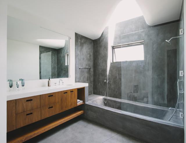 Green Greenberg Green House - Modern - Bathroom - Los Angeles - by NEW THEME Inc.