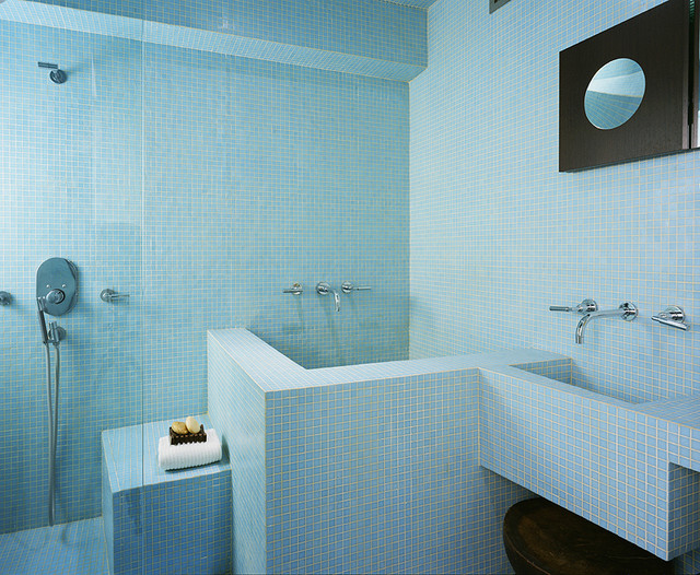 Inspiration for a modern bathroom remodel in New York