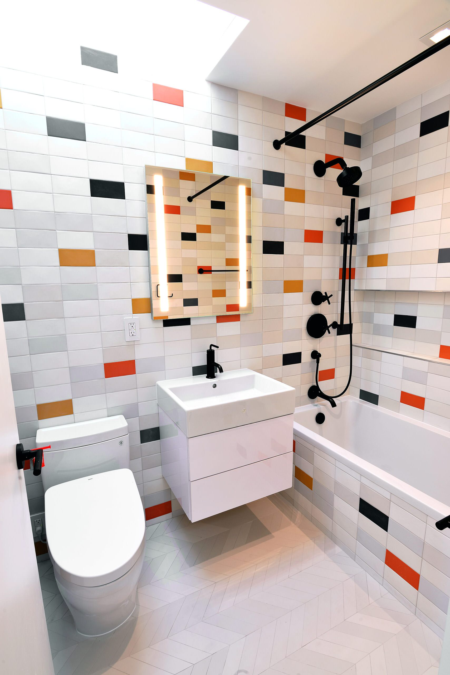 75 Beautiful Red Tile Marble Floor Bathroom Pictures Ideas December 2020 Houzz