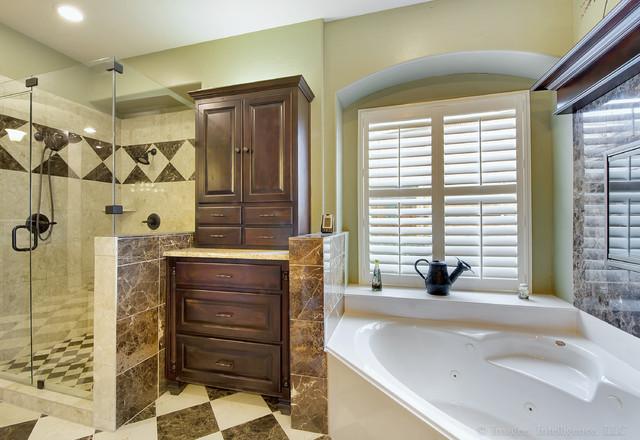 Greenwood Drive traditional-bathroom