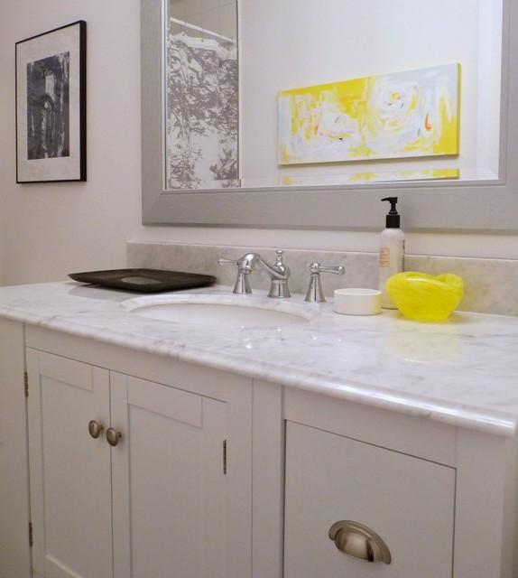 Grey yellow bathroom contemporary bathroom ottawa for Yellow grey bathroom decor