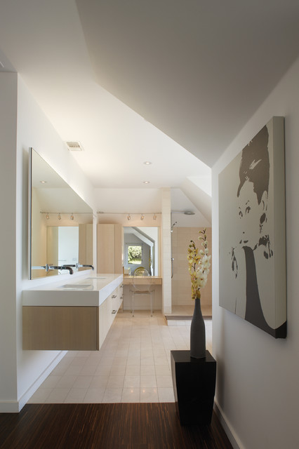 GRIFFIN ENRIGHT ARCHITECTS: Hollywood Hills Residence modern bathroom
