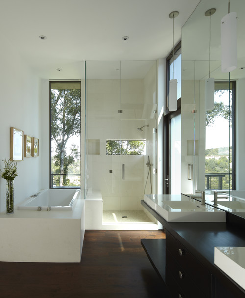 Mandeville Canyon Residence modern bathroom
