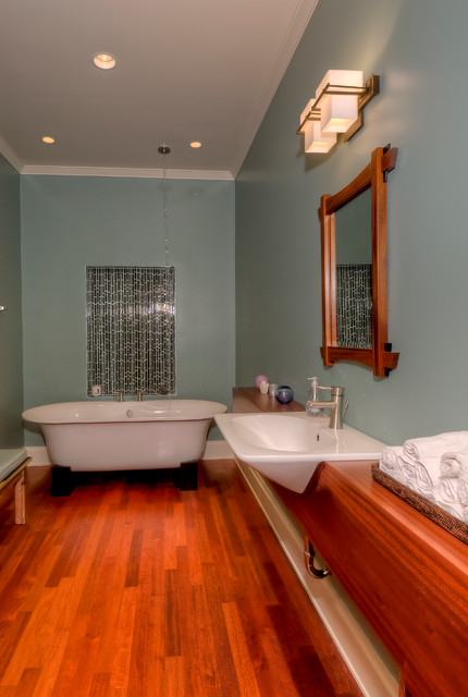 Guemes Channel Residence traditional-bathroom