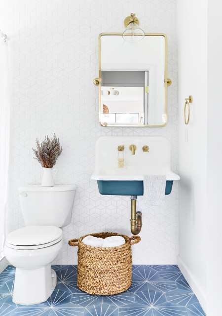 5 Solutions To Small Bathroom Problems