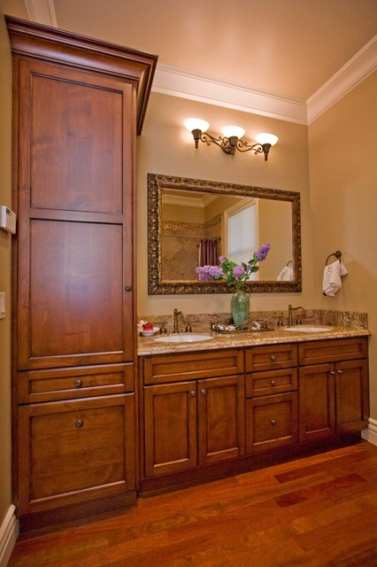 small guest bathroom design by Bay Area building contractor traditional bathroom