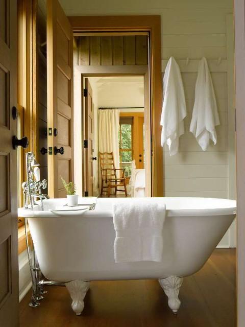 Guest Cabin traditional-bathroom