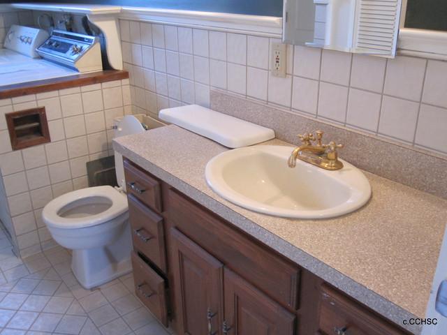 Gull Lane 1798 Historic Home traditional-bathroom