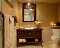 Hale Aina By The Sea tropical-bathroom