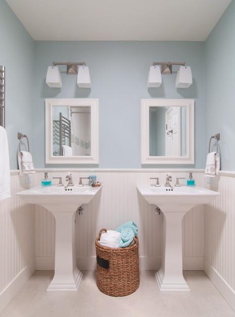 Pedestal Sink With A Ing Mirror