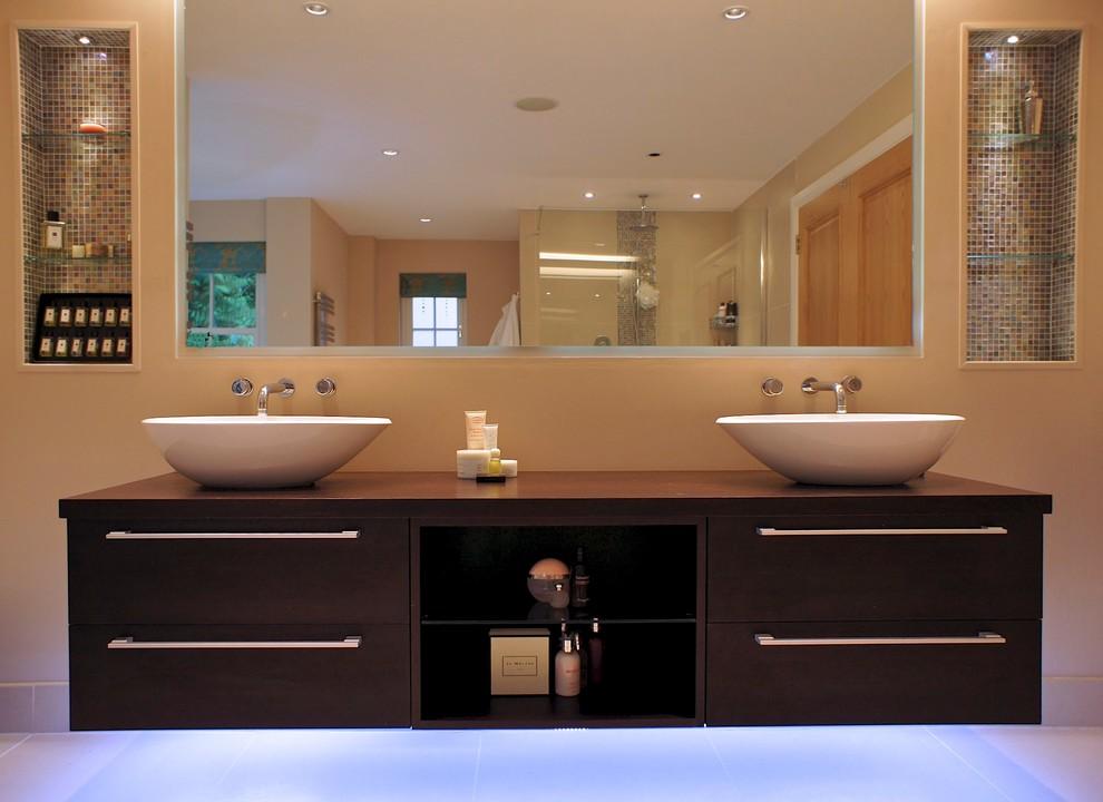 hampshire family home  modern  bathroom  london