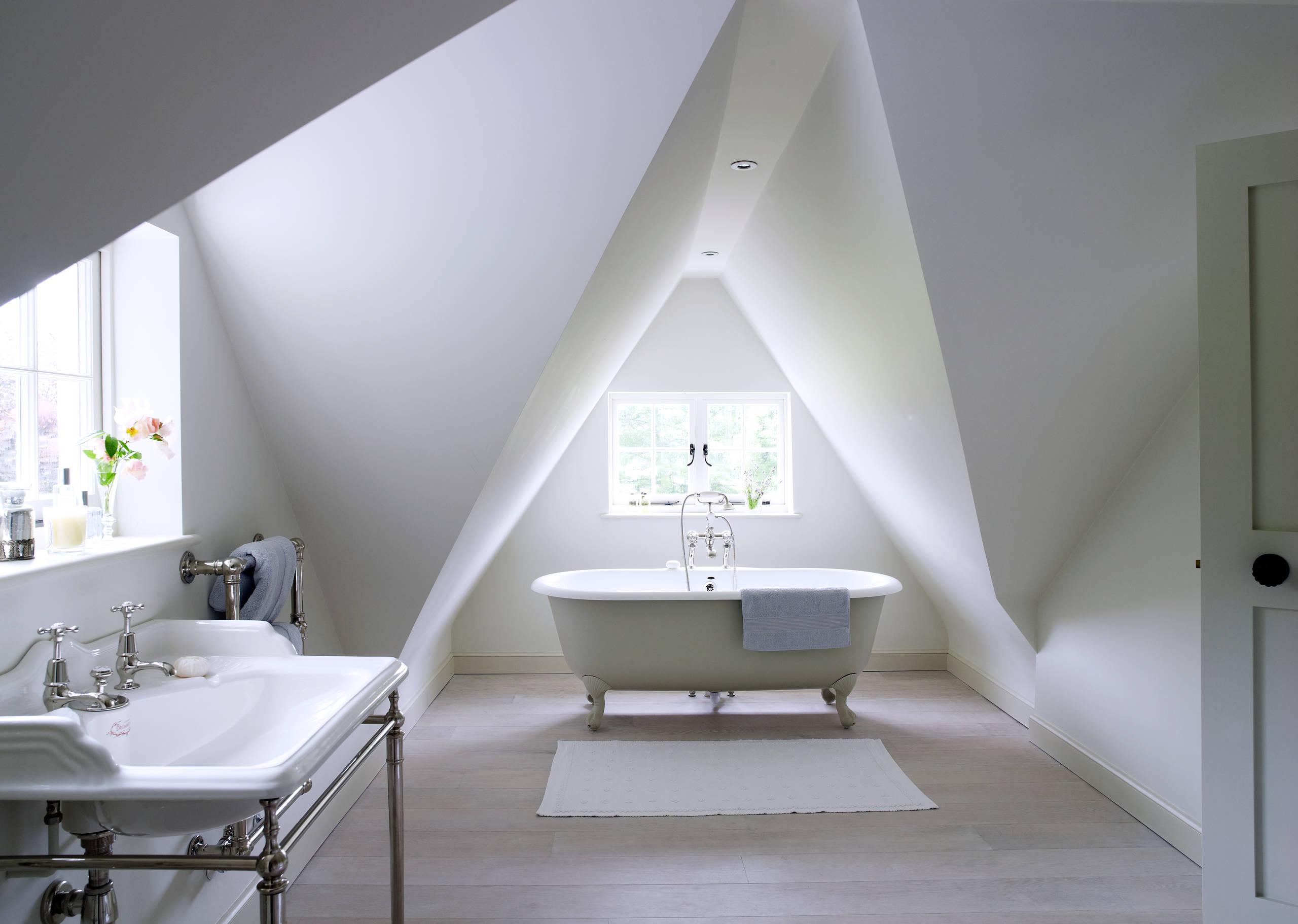 Badezimmer mit Dachschräge 20 Tipps für Dusche & Badewanne