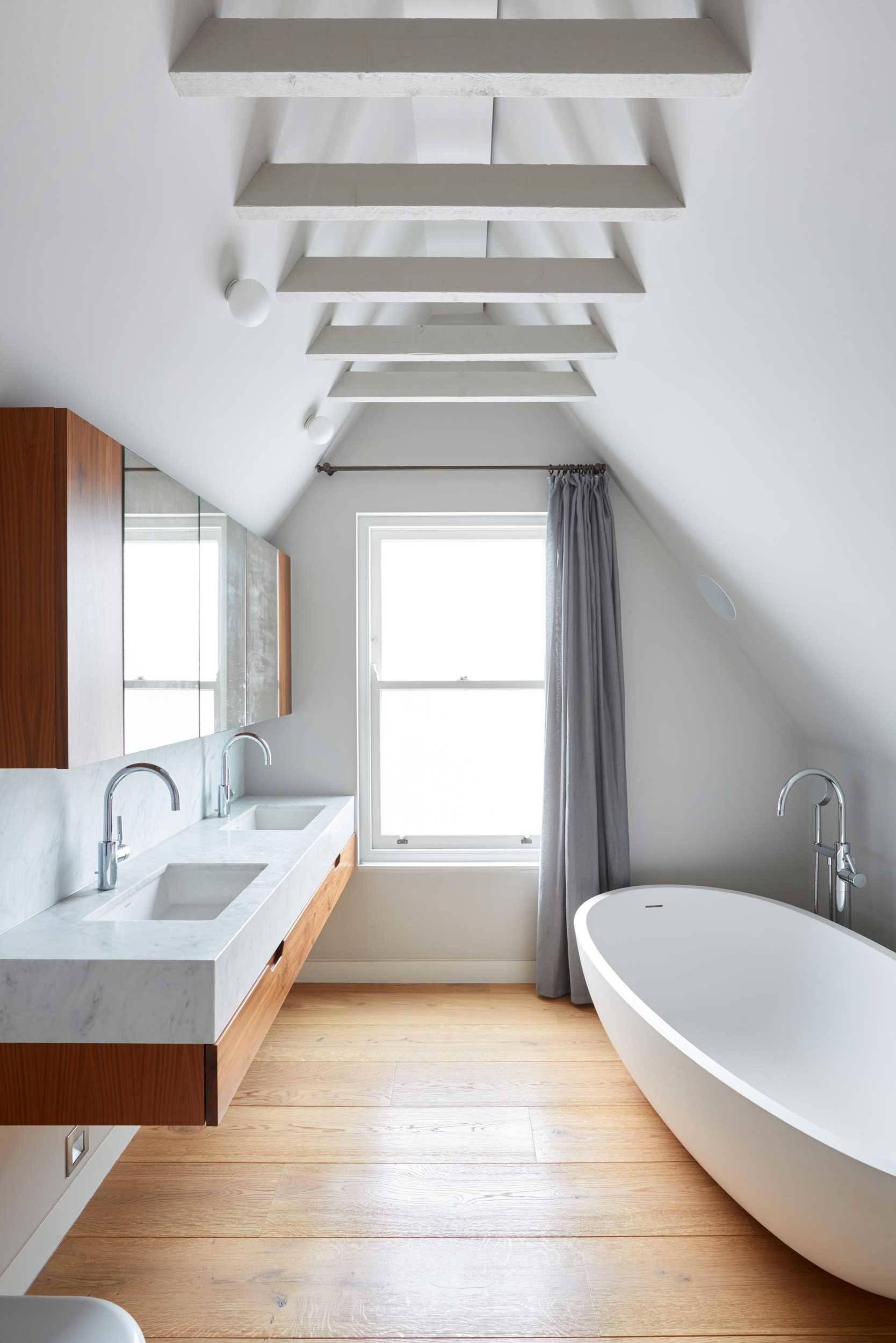 Wie praktisch sind eigentlich ... Vorhänge im Bad