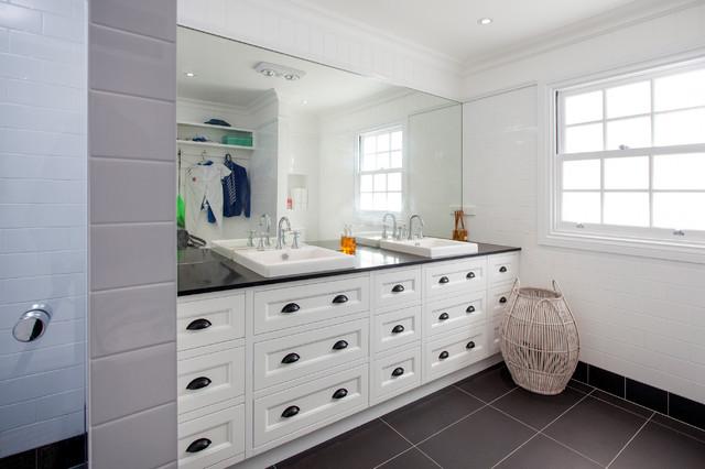 hampton style interior design beach style bathroom brisbane by baahouse baastudio. Black Bedroom Furniture Sets. Home Design Ideas