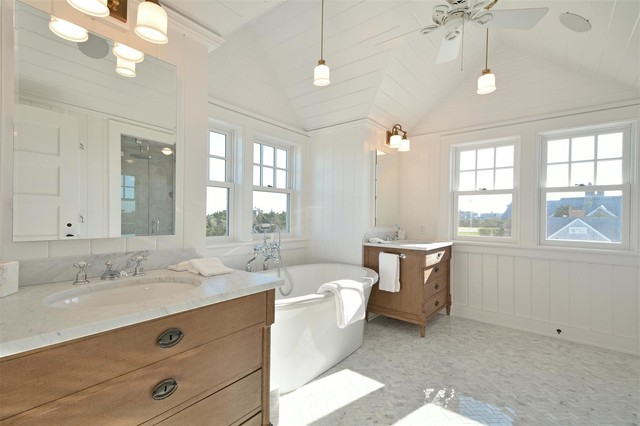 Hamptons Master Bathroom Beach Style Bathroom New