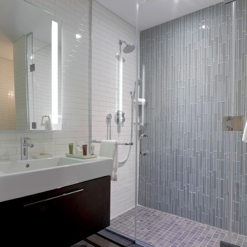 Bathroom tiles blue grey for Blue gray bathroom ideas