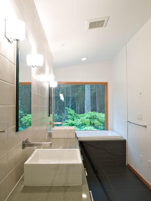HARBINGER contemporary-bathroom