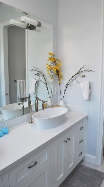 Harbor House eclectic-bathroom