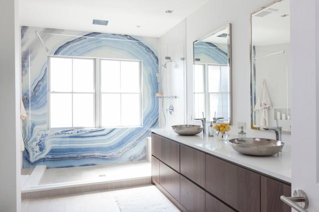 Harborside townhouse beach style bathroom new york for Townhouse bathroom designs