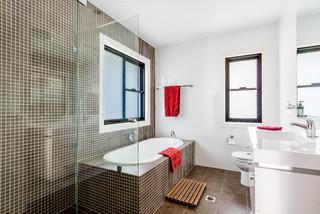 Harden Avenue, Northbridge - Contemporary - Bathroom - Sydney - by Belle Property Australasia