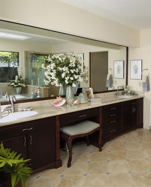 Hawaii Kai Harmony tropical-bathroom