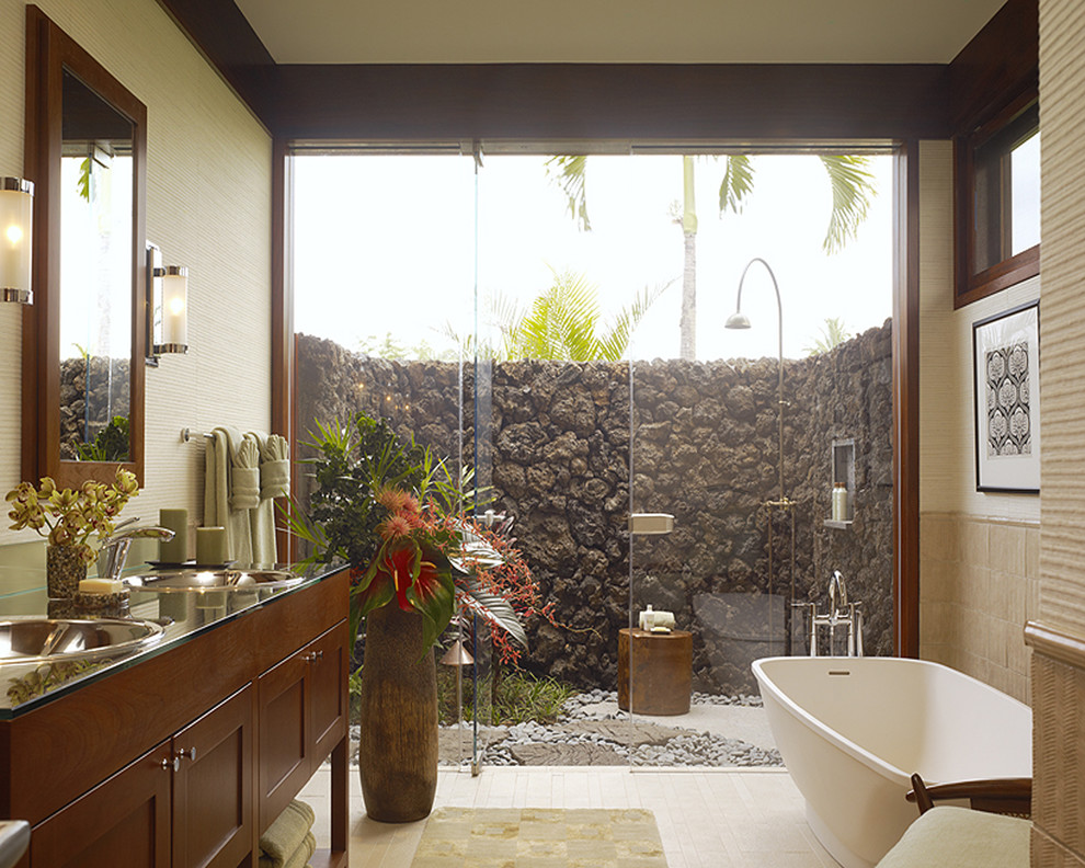 Island style freestanding bathtub photo in Hawaii