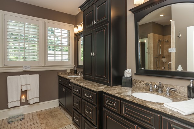 Hawthorne traditional-bathroom